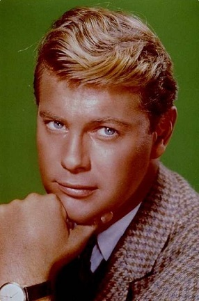El actor Troy Donahue